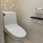 アクセントクロスが可愛いトイレです!