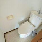 1階トイレ。2階にもトイレがあるのは嬉しいですね!
